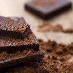 Dunkle Schokolade und Kakao als Heilmittel können gegen oxidativen Stress wirken. © tanjichica / shutterstock.com