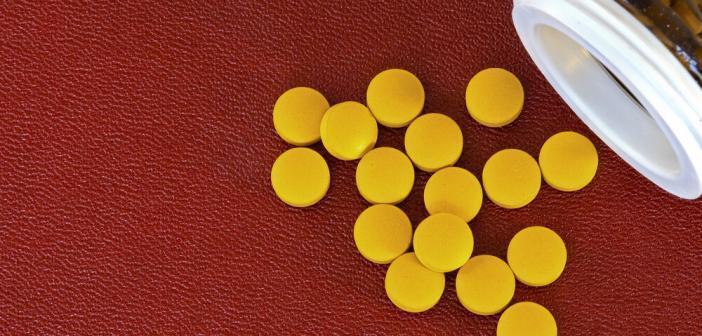 Vitamin-B-Pillen helfen nicht als Vorbeugung bei Alzheimer, wie eine aktuelle Studie ergab. © Arne Bramsen / shutterstock.com