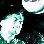 Speziell die Rückkehr auf das Spielfeld nach einer Gehirnerschütterung ist problematisch. Spieler aller Altersgruppen sollten besseren Schutz erfahren. Daher muss erforscht werden, ob durch einen Kopfball Gehirnzellen sterben können. © Hurst Photo / shutterstock.com