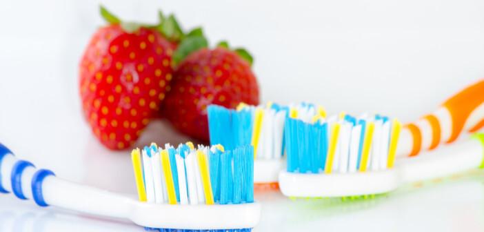 Weiße Zähne machen schöne, Erdbeeren sind dafür aber nicht brauchbar. © mrfiza / shutterstock.com