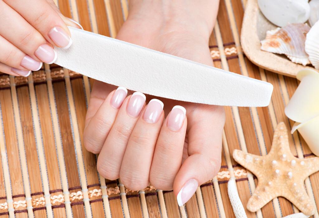 Nach dem Schneiden sollte noch mit einer Diamant- oder Sandblattfeile gefeilt werden, jedoch nur in eine Richtung. © Valua Vitaly / shutterstock.com