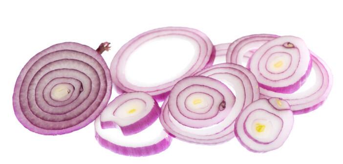Zwiebeln gelten seit langem als günstiges Lebensmittel mit hoher Verfügbarkeit. © Aprilphoto / shutterstock.com