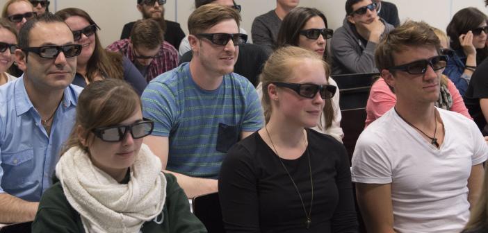 Studierende der Pharmazie und biomedizinischen Chemie in einer Vorlesung über computerunterstütztes Wirkstoffdesign an der Johannes Gutenberg-Universität Mainz. © Peter Pulkowski