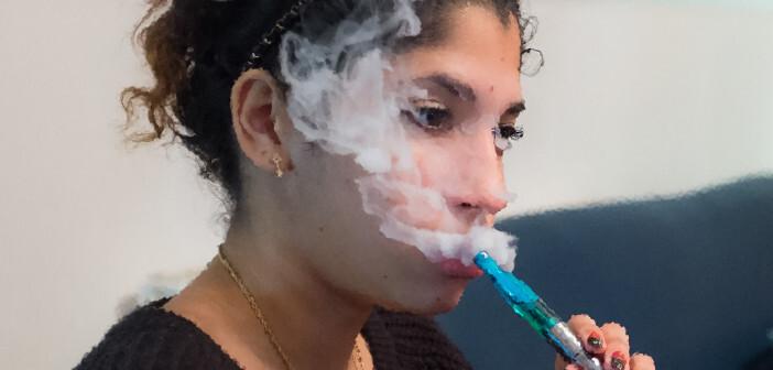 Gesetzliche Vorgaben, was E-Zigaretten und E-Sishas enthalten dürfen und wie sie deklariert werden müssen, gibt es bislang nicht. © Alexander Russy / flickr.com