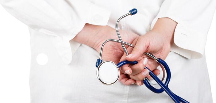 Thema Arzt und Politik © megaflopp / shutterstock.com