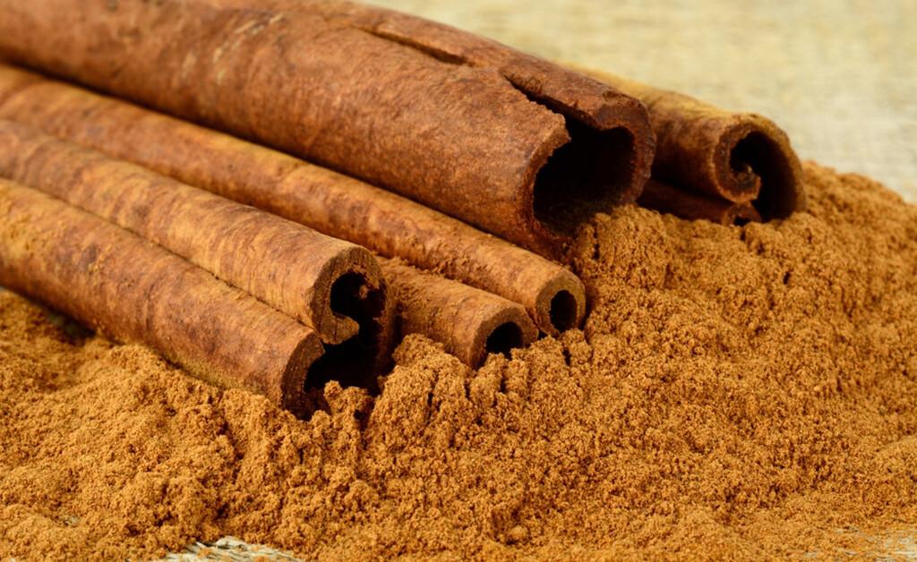 Zimt reduziert Blutzucker, so das Ergebnis mehrerer Untersuchung. © Tadeusz Wejkszo / shutterstock.com