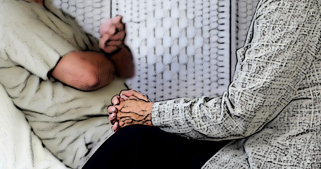 Eine ambulante Psychotherapie zu Hause bei Patienten kann bei älteren Menschen sehr wirksam sein. © Phovoir / shutterstock.com