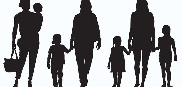 Alleinerziehende sollten besser betreut werden. © Ellegant / shutterstock.com