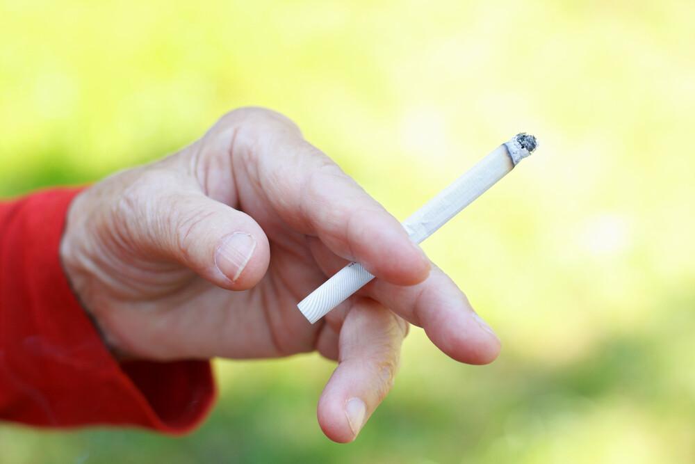Rauchen und Menopause können die Sterblichkeit bei Patientinnen drastisch erhöhen. © Ocskay Mark / shutterstock.com