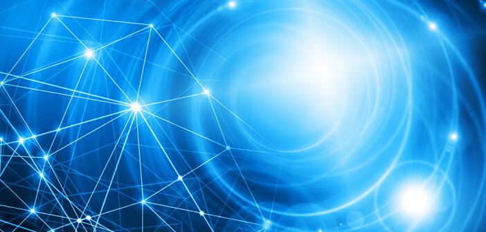 Für viele betroffene Patienten könnte eine Blaulichttherapie bei Neurodermitis eine geeignete Therapie-Option sein. © Toria / shutterstock.com