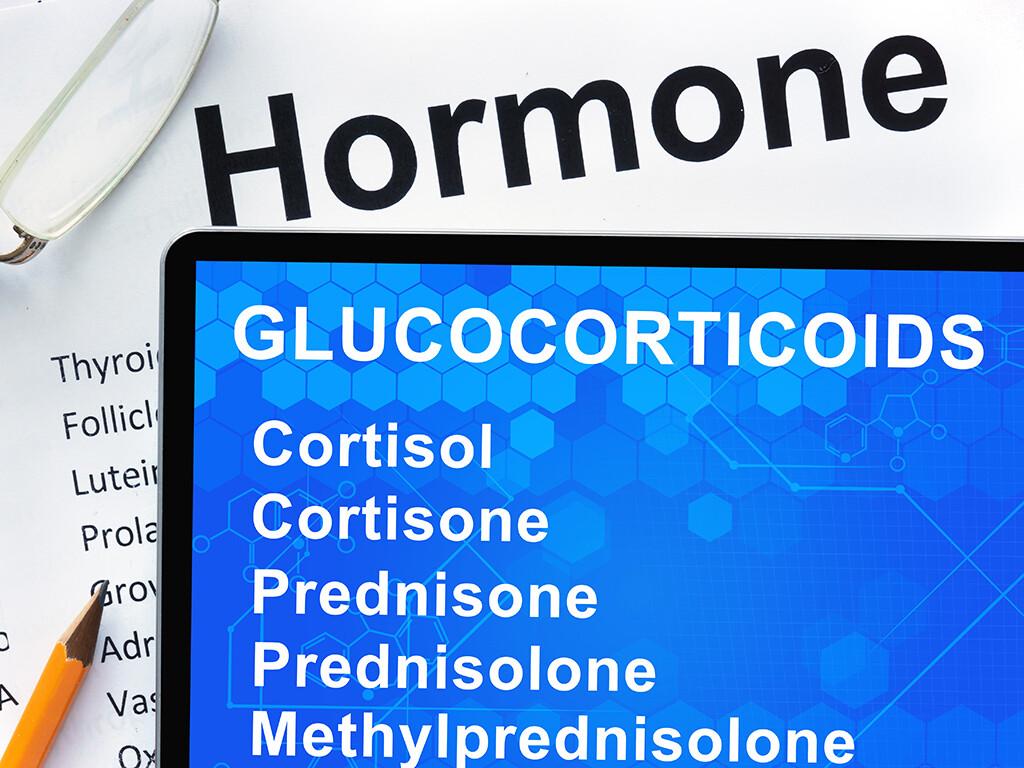 "Grundsätzlich gilt bei der Glucocorticoide-Dosierung: ""As high as necessary, as low as possible."" © designer491 / shutterstock.com"
