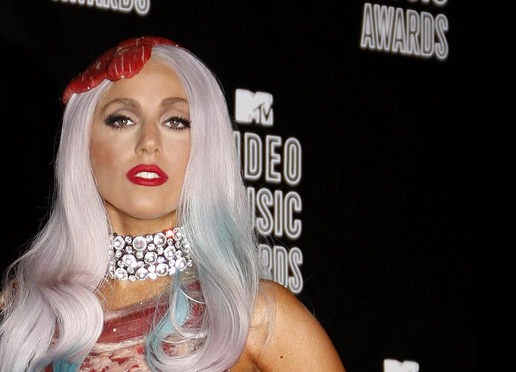 Lady Gaga 2010 bei den MTV Video Awards – in dem Jahr erfuhr die Öffentlichkeit von der Lupus-Erkrankung der Sängerin. © Tinseltown / shutterstock.com