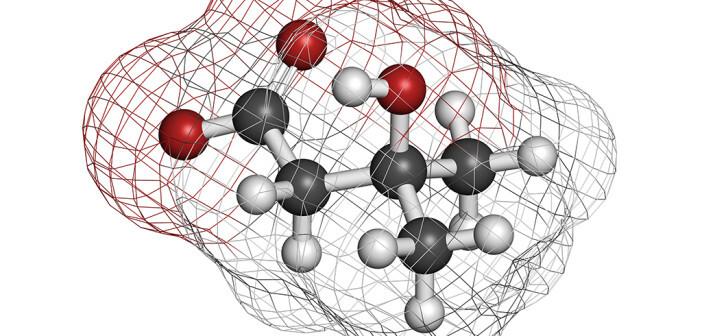 HMB – Hydroxymethyl oder β-Hydroxy-β methylbutyrat als Molekül im Bild – hat sich bei älteren Erwachsenen bewährt: für Erhalt der Muskelkraft und Minimierung von Muskelverlust bei Bettlägrigkeit. © molekuul.be / shutterstock.com