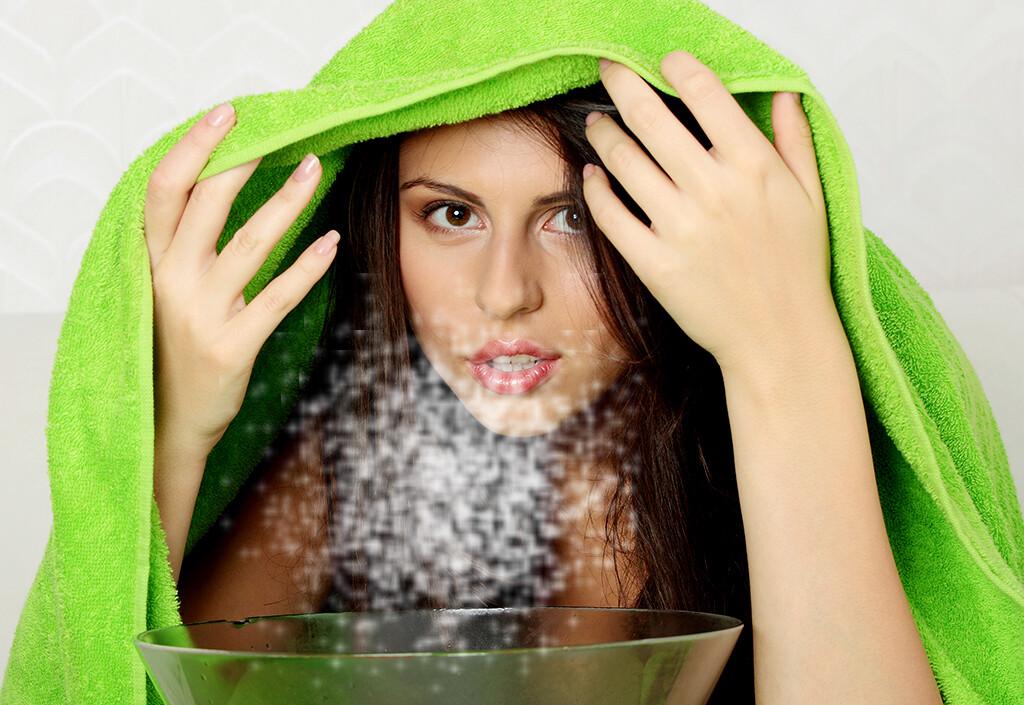 Ein altes bewährtes Erkältungsmittel ist das Inhalieren von Salzwasser. © Piotr Marcinski / shutterstock.com