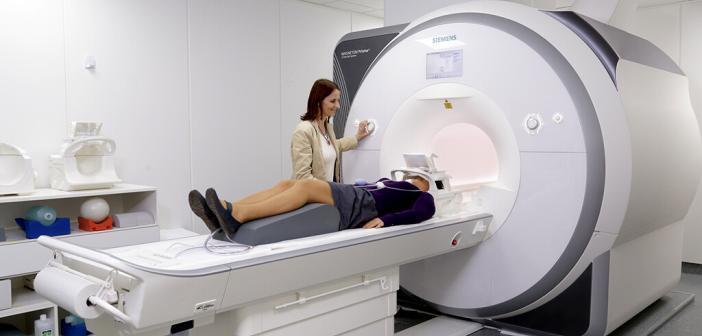 Experiment mittels funktioneller Magnetresonanztomografie (fMRT) liefert neue Erkenntnisse über den Einfluss des MAOA-Gens auf die Ruheaktivität des Gehirns. © Uniklinik RWTH Aachen