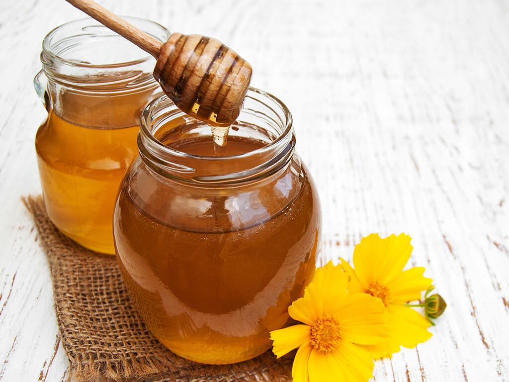 Honig konnte sich als hilfreiches Erkältungsmittel bewähren. © almaje / shutterstock.com
