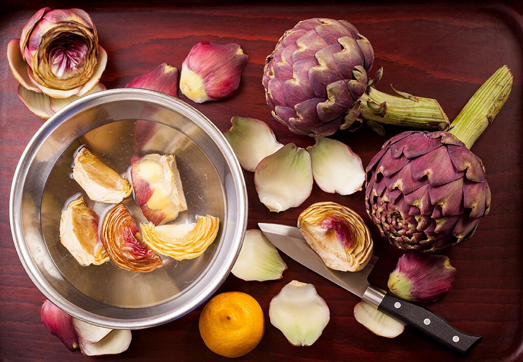 Artischocken werden idealerweise als Vorspeise serviert. © Magnago / shutterstock.com