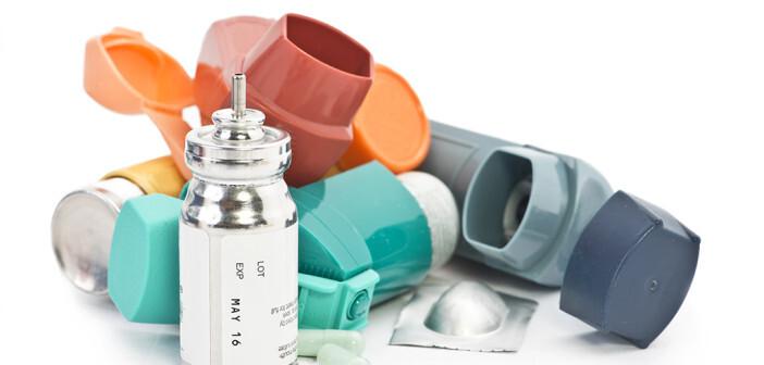Untersuchungen zeigen, dass die Anwendung der Inhalationstherapie oft nicht klappt und Anwendungsfehler dazu führen, dass Patienten eine zu geringe Dosis einnehmen und die Krankheitssymptome sich verschlimmern. © Sherry Yates Young / shutterstock.com