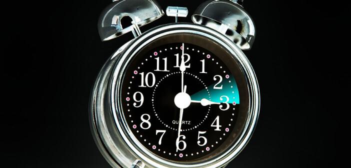 Keine Angst vor der Zeitumstellung: Der Schlaf reguliert sich selbst, wenn die elementaren Voraussetzungen stimmen. © Edler von Rabenstein / shutterstock.com