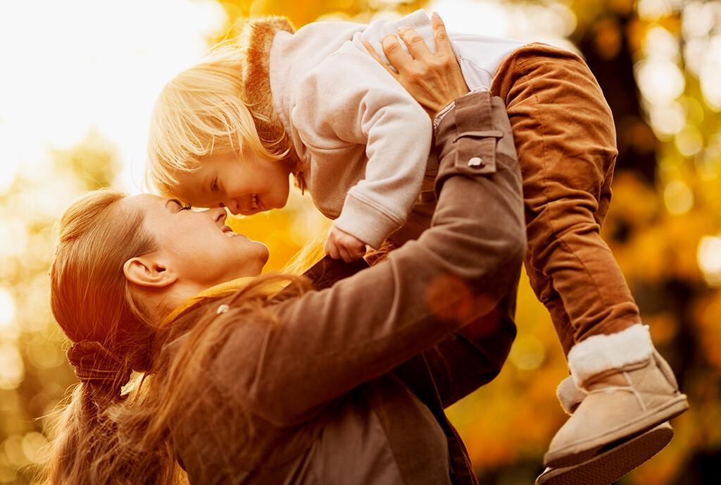 Die biologische Uhr der Frau tickt heute bis über das 50. Lebensjahr hinaus, Kinder werden deswegen oft erst später bekommen. © Alliance / shutterstock.com
