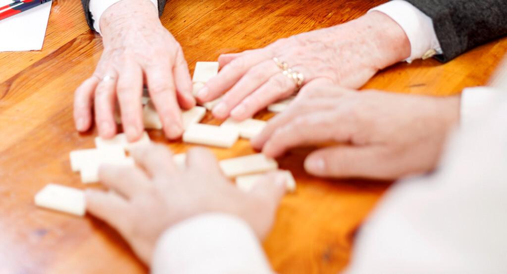 Das Anamnesegespräch kann sich bei Demenz kompliziert entwickeln. © VP Photo Studio / shutterstock.com