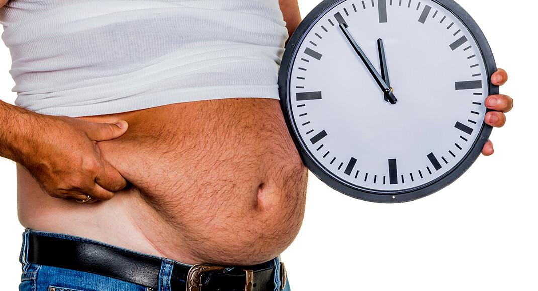 Dicke Männer haben oft schlechtere Blutzucker- und Triglyzeridwerte sowie Anzeigen einer Atherosklerose. © Lisa S. / shutterstock.com