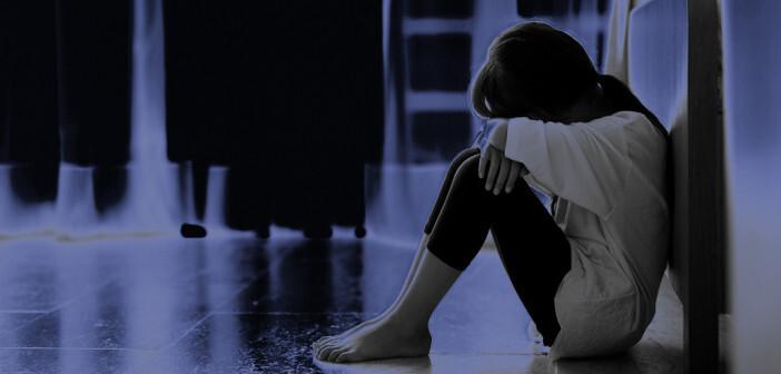 Antidepressiva bei Kindern und Jugendlichen scheinen in der Akutbehandlung der endogenen depressiven Störung keinen klaren Vorteil zu bringen. © VectorLifestylepic / shutterstock.com