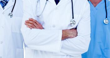 Der Arztberuf zeichnet sich besonders durch eine starke berufliche Belastung und sehr hohe Verantwortung aus. © wavebreakmedia / shutterstock.com