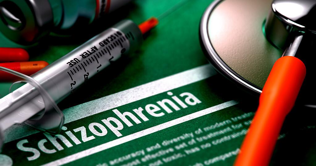 Vor Beginn einer Therapie mit Antipsychotika sollte nach Möglichkeit eine genaue körperliche Untersuchung erfolgen. © Tashatuvango / shutterstock.com