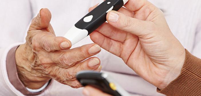 Diabetes im Alter im Fokus. © Robert-Kneschke / shutterstock.com