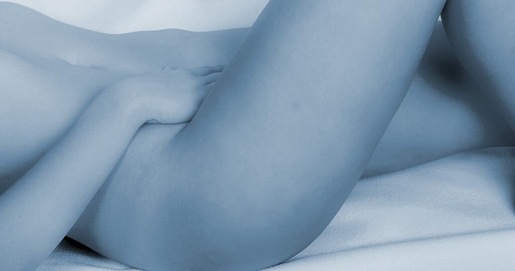 Frauen, die unter Harninkontinenz leiden, haben vermehrt mit Hautproblemen im Intimbereich zu kämpfen. © Jochen Schoenfeld / shutterstock.com
