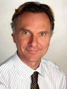 Professor Dr. Dr. Michael Leitzmann © UKR