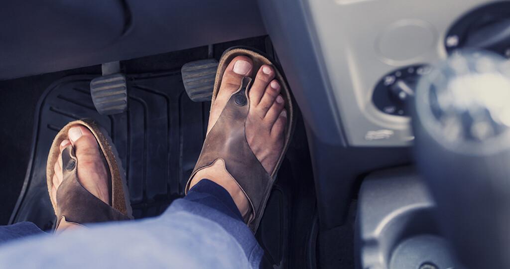 on sale 9bfac 1819b Autofahren mit Flip Flops nicht empfehlenswert - MedMix