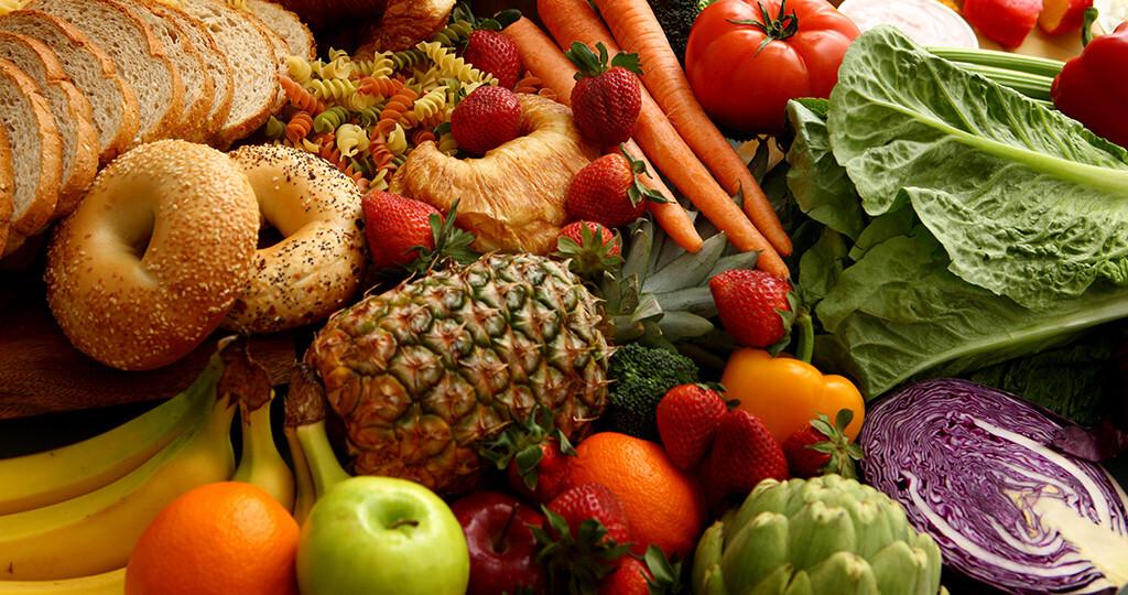 Übergewichtige Menschen können durch eine pflanzenreiche Ernährung ihr Entzündungsmarker-Profil deutlich verbessern. © hurst photo / shutterstock.com