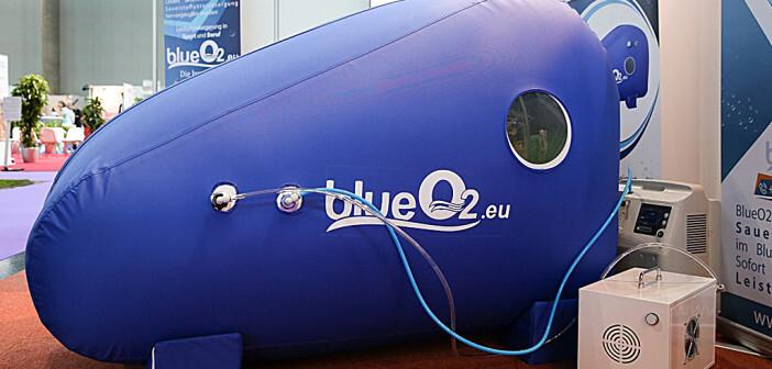 BlueO2 wurde gemeinsam von Ärzten und Technikern entwickelt, um die sensationellen Erfolge der hyperbaren Sauerstofftherapie einer breiten Öffentlichkeit leichter zugänglich zu machen. © Katharina Schiffl