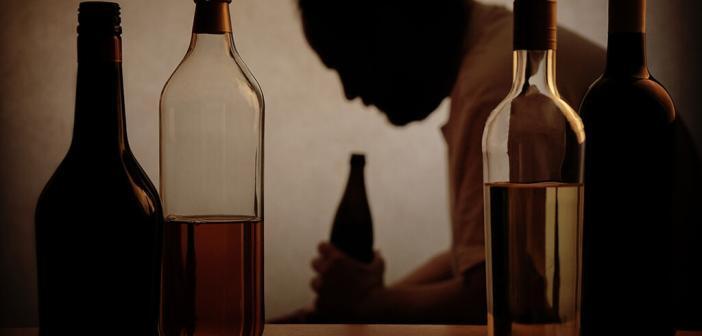 Eine Alkoholkrankheit kommt fast selten allein. © axel bueckert / shuttestock.com