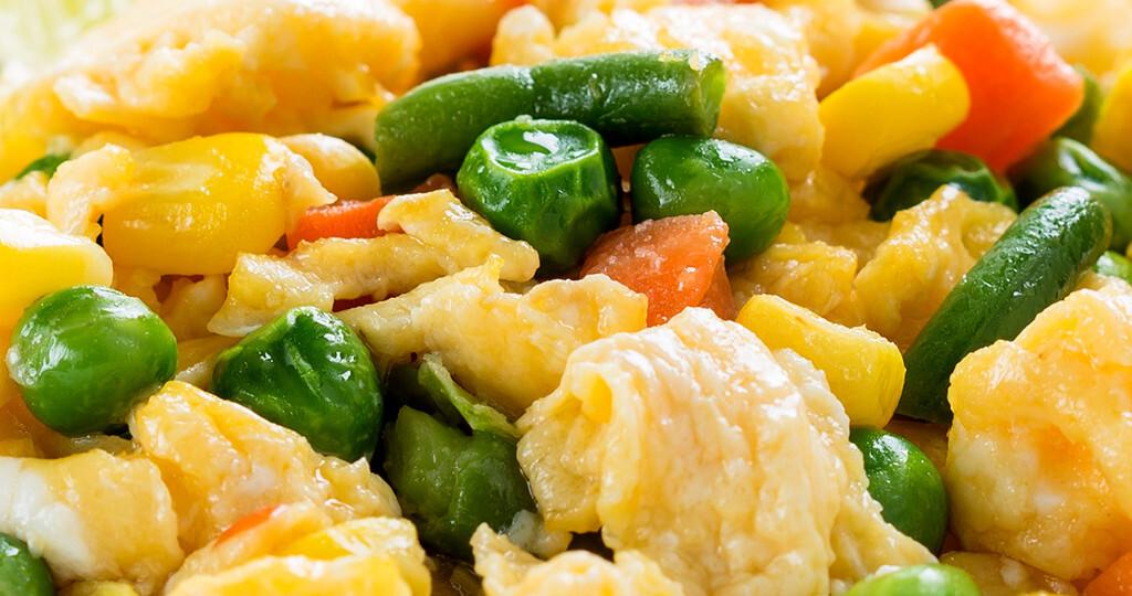 Alle Studienteilnehmer profitierten durch Eiweißreiche Ernährung – egal ob sie auf pflanzlichem oder tierischem Eiweiß basierte. © istetiana / shutterstock.com