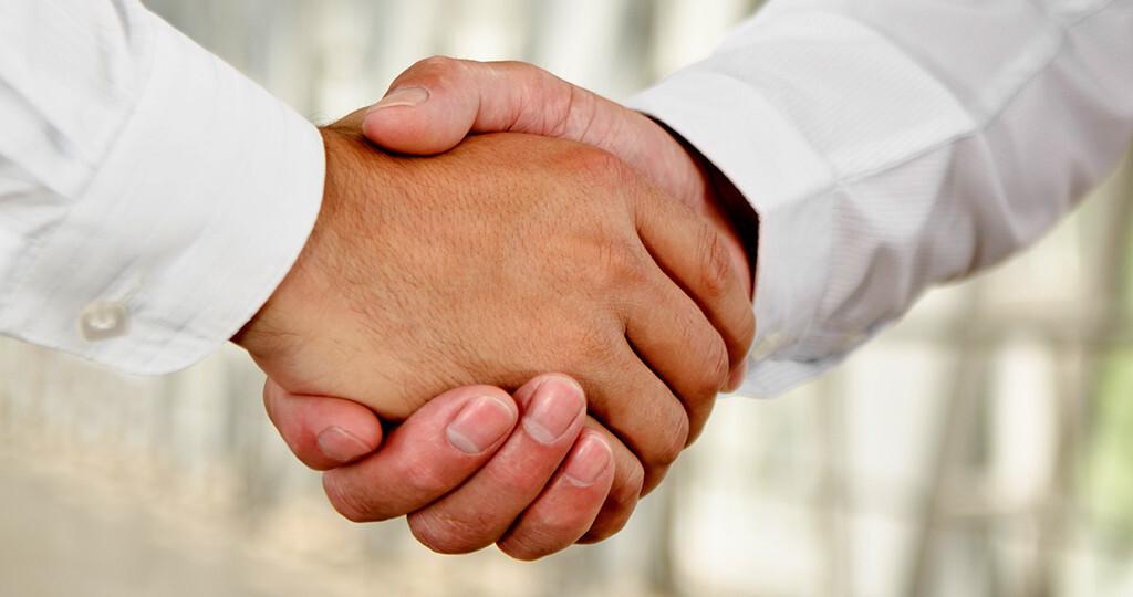 Eine intensivere Arzt-Apotheker-Zusammenarbeit bei Diabetespatienten soll Vertrauen aufbauen, Inhalte verständlich kommunizieren und sich sinnvoll in den Angeboten ergänzen. © svitlana ua / shutterstock.com