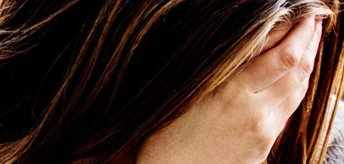 In der Therapie des medikamenteninduzierten Kopfschmerzes stellt die Entzugsbehandlung eine conditio sine qua non dar. © dragana gordic / shutterstock.com