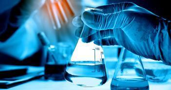 Entwicklungen in der Bioanalytik und Datenverarbeitung der großen Zahl kleiner Moleküle steht jetzt vor der Anwendung in der Labormedizin. © totojang1977 / shutterstock.com