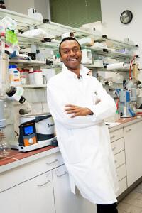 Die Forschungsgruppe um Nuno Maulide hat eine neue Methode zur Herstellung von Metyrapon-Derivaten entwickelt. © Liebentritt