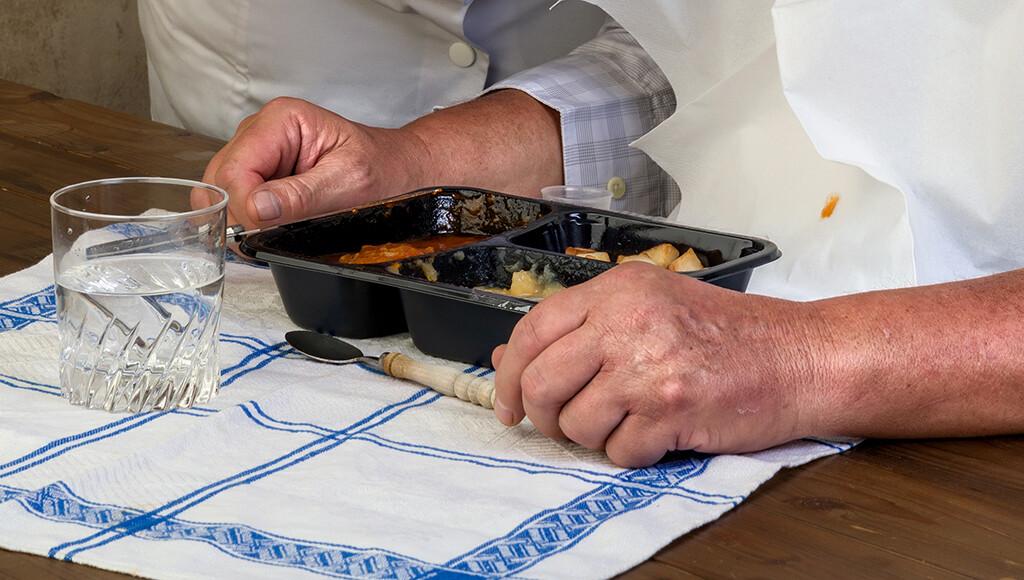 Richtige Ernährung im Alter ist ein wichtiges gesundheitspolitisches und Public Health-Thema. © anneka / shutterstock.com