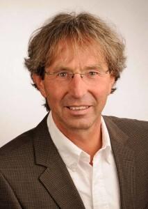 Prof. Dr. Kuno Hottenrott ist überzeugt, dass Abnehmen ohne Jo-Jo-Effekt mit Intervall-Fasten, Laufen und basischen Mineralstoffen möglich ist. © djd / Basica