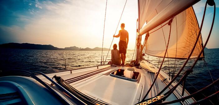 Auftreten einer Reisediarrhoe beim Segelturn in der Reise-Apotheke berücksichtigen. © Dudarev Mikhail / shutterstock.com