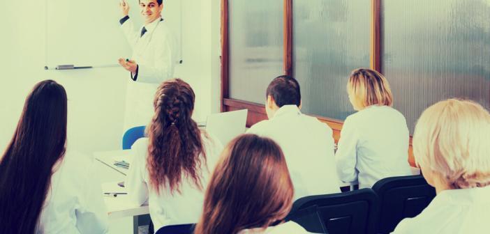 Medizinstudenten © Iakov Filimonov / shutterstock.com
