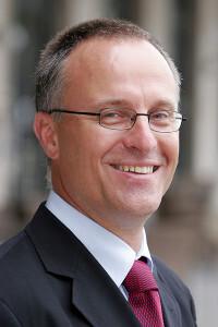 Dr. Schirmacher, Ärztlicher Direktor des Pathologischen Instituts, ist Sprecher des neuen transregionalen Sonderforschungsbereichs. © Universitätsklinikum Heidelberg