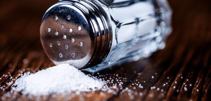 Hoher Salzkonsum erhöht das Herzinsuffizienz-Risiko. © HandmadePictures / shutterstock.com