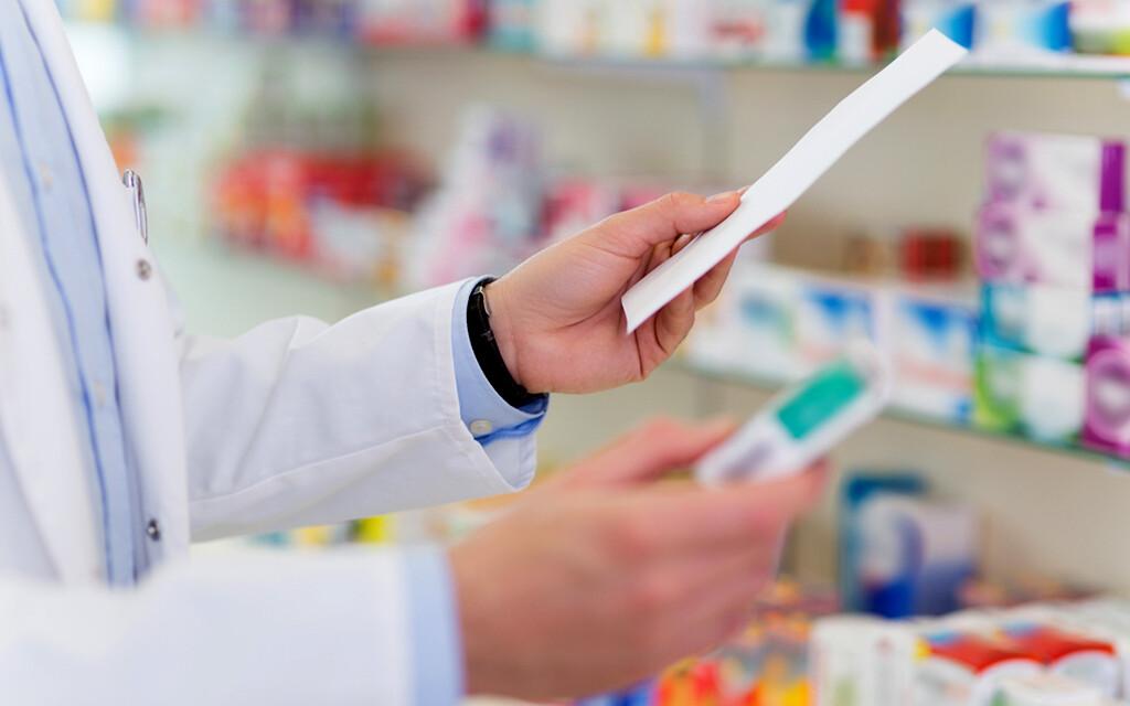 RX – rezeptpflichtige Arzneimittel © pikselstock / shutterstock.com