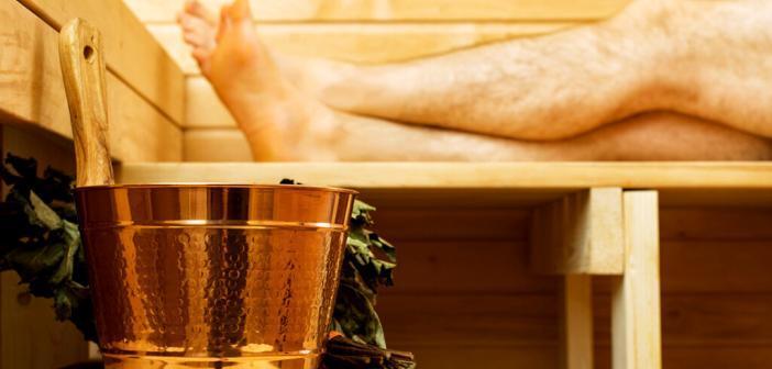 Männer können mit häufigen Besuchen in der Sauna Bluthochdruck gegensteuern. © Dmitri Ma / shutterstock.com