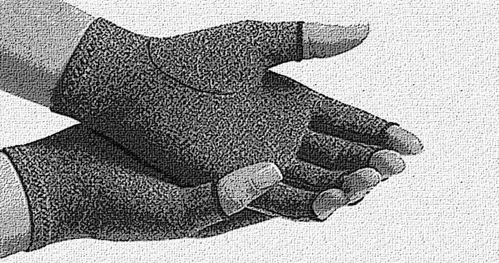 Arthrose-Handschuhe können die Schmerzen, den Druck und die Schwellungen lindern, viele Betroffene haben positive Erfahrungen mit der Wirkung, denn die Handschuhe sind vor allem ideal für schmerzende Finger oder Handgelenke. © www.afcom.at